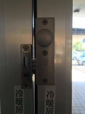 自動ドア内締り1 (300x400).jpg